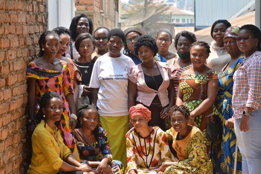 FEMMES PLUS - FEMMES TOUT SIMPLEMENT - AVEC UNAH.